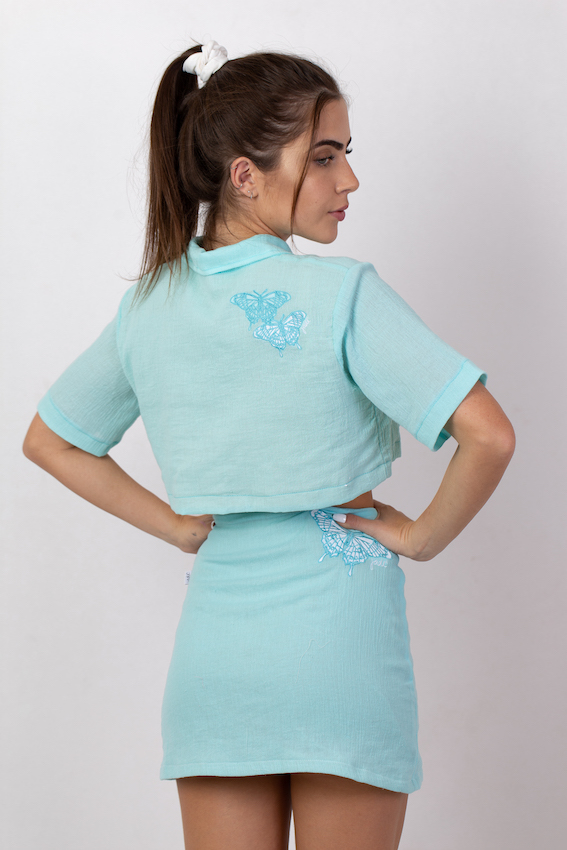 CAMISA CROPPED BUTTERFLY AZUL