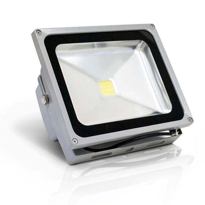 Refletor Led Rgb Outdoor Colorido Com Controle 50w Bivolt Yx-Rgb50w