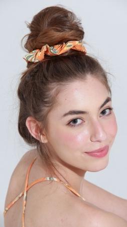 Scrunchie Orange Flowers