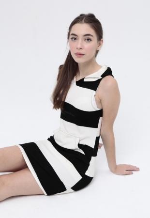 Vestido Amabely Capuz