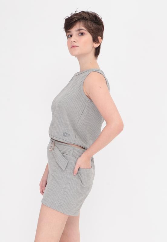 Blusa Take It Grey  - Metro & Co.