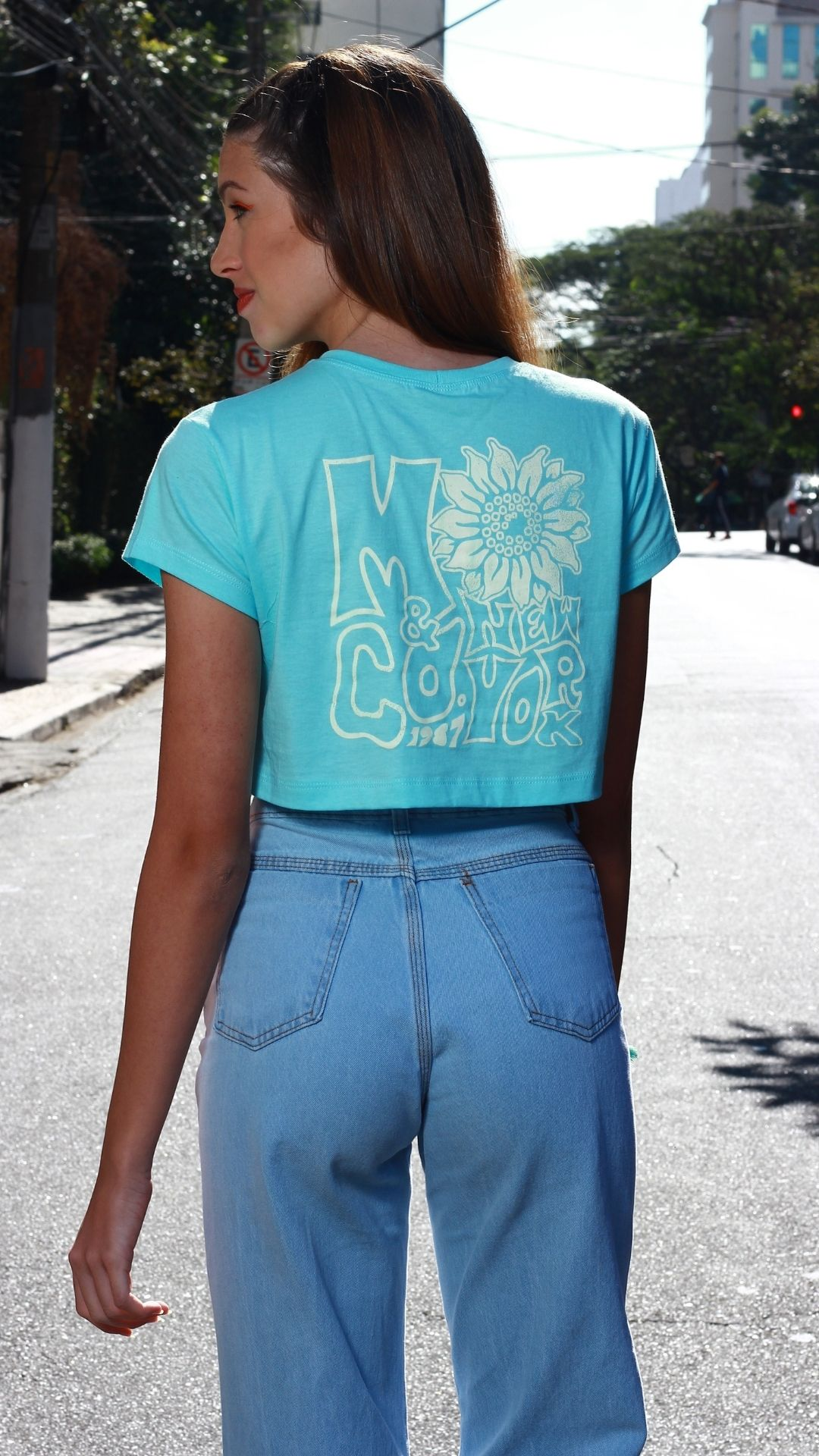 T-Shirt Cropped Flower  - Metro & Co.