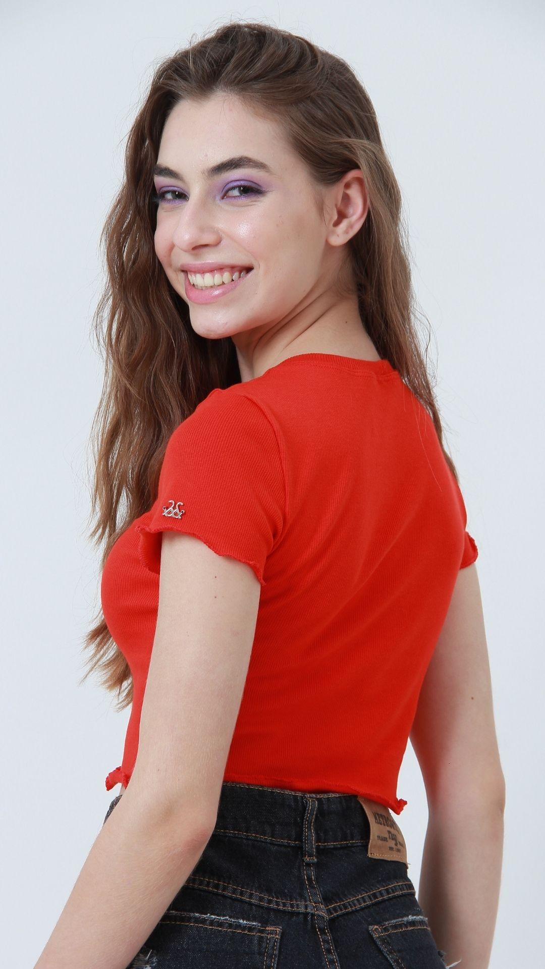 T-shirt Ribbed Vermelho  - Metro & Co.