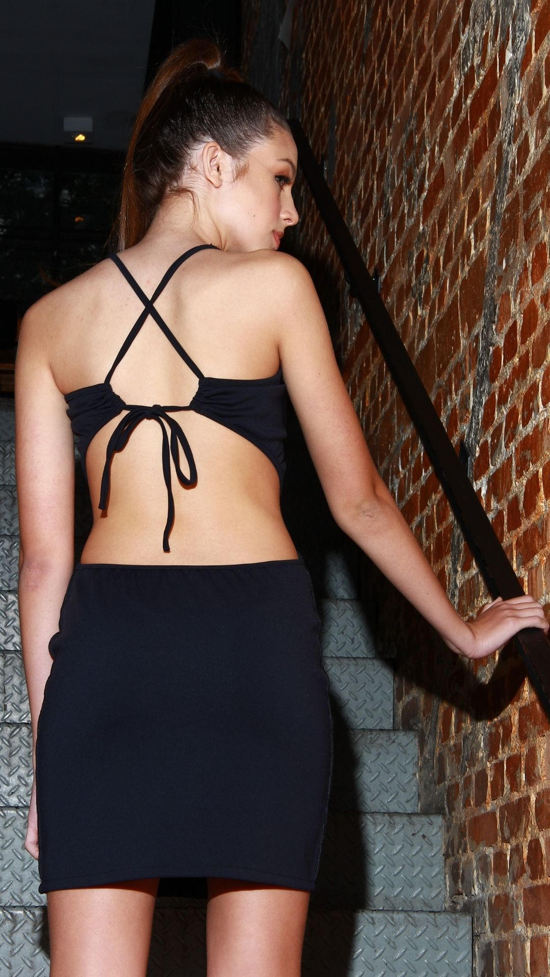 Vestido Curto Backless Seams  - Metro & Co.