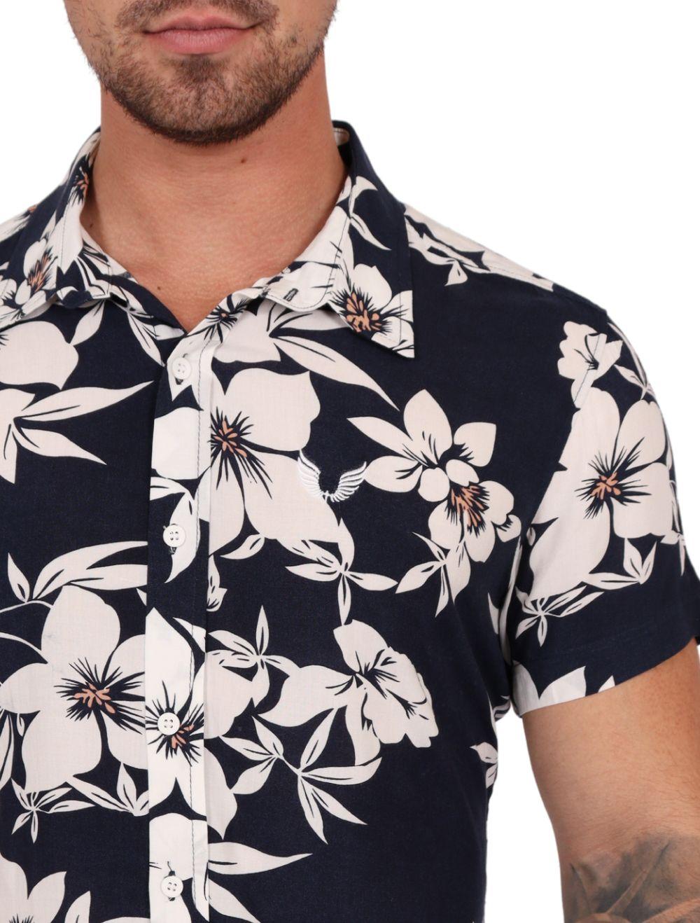 Camisa Masculina Manga Curta Azul Com Flores Branca