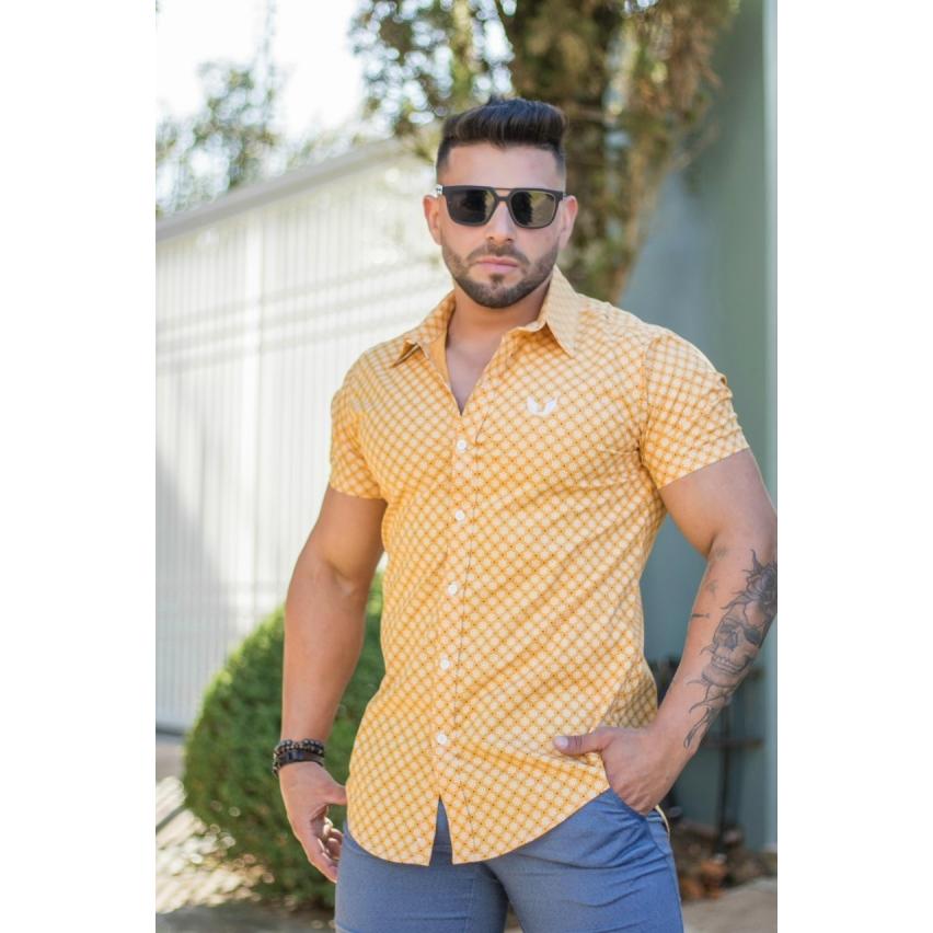Camisa Masculina Slim Manga Curta Amarela