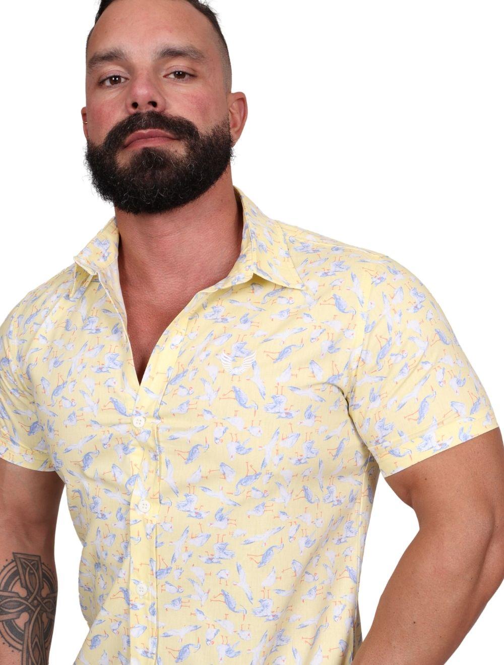 Camisa Masculina Slim Manga Curta Amarela Estampada