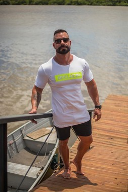 Camiseta Masculina LongLine Com Elastano Branco