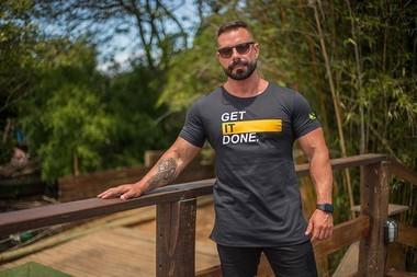 Camiseta Masculina LongLine Preta Get It Done