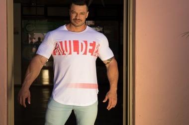 Camiseta Masculina Longline Manga Curta Branca Muscle Red
