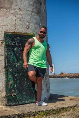 Regata Masculina Slim Com Elastano Verde Estampa Tubarão