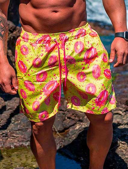 Short Praia Masculino Amarelo Estampa Donuts