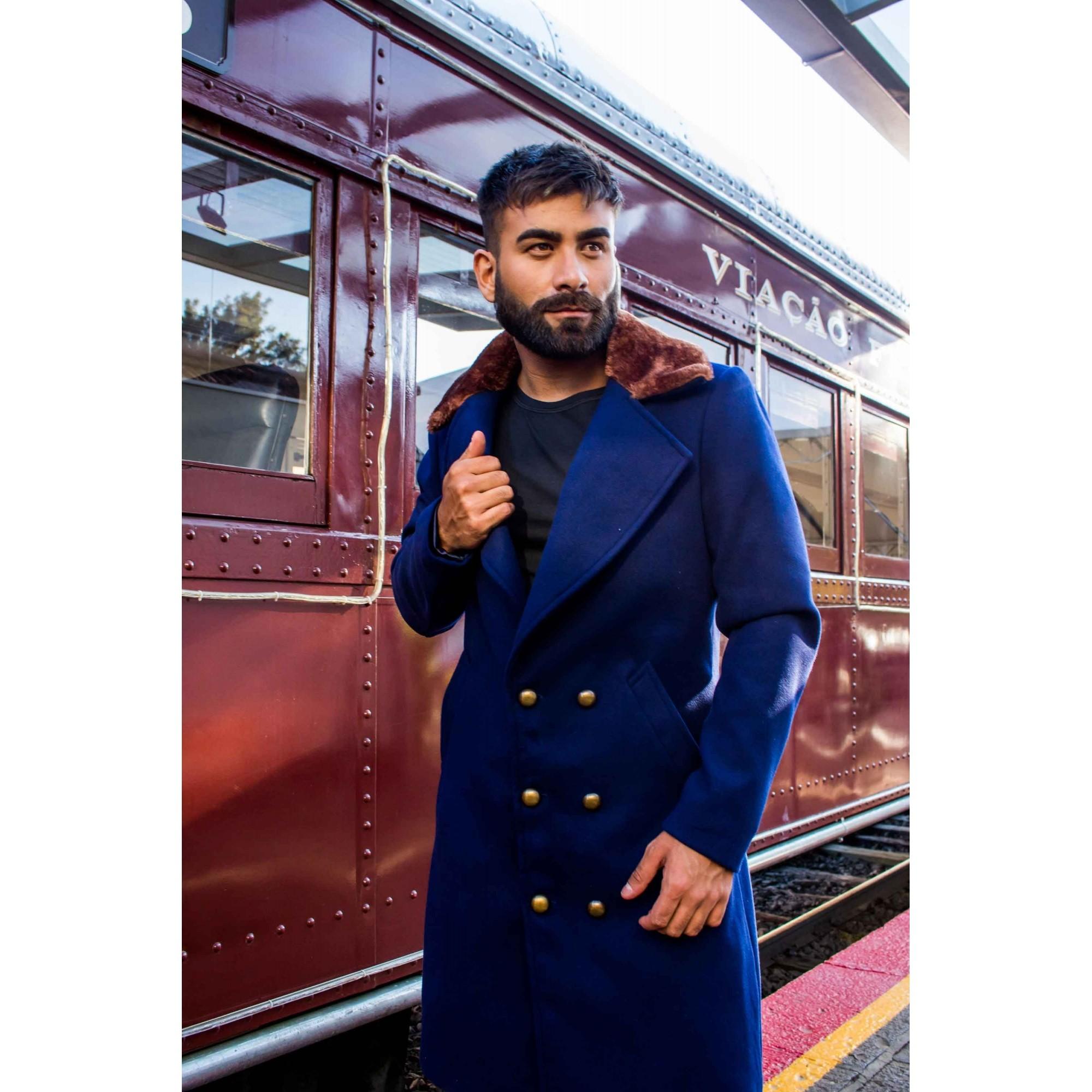 Sobretudo/Overcoat Masculino de Lã Azul Marinho com Gola em Pele