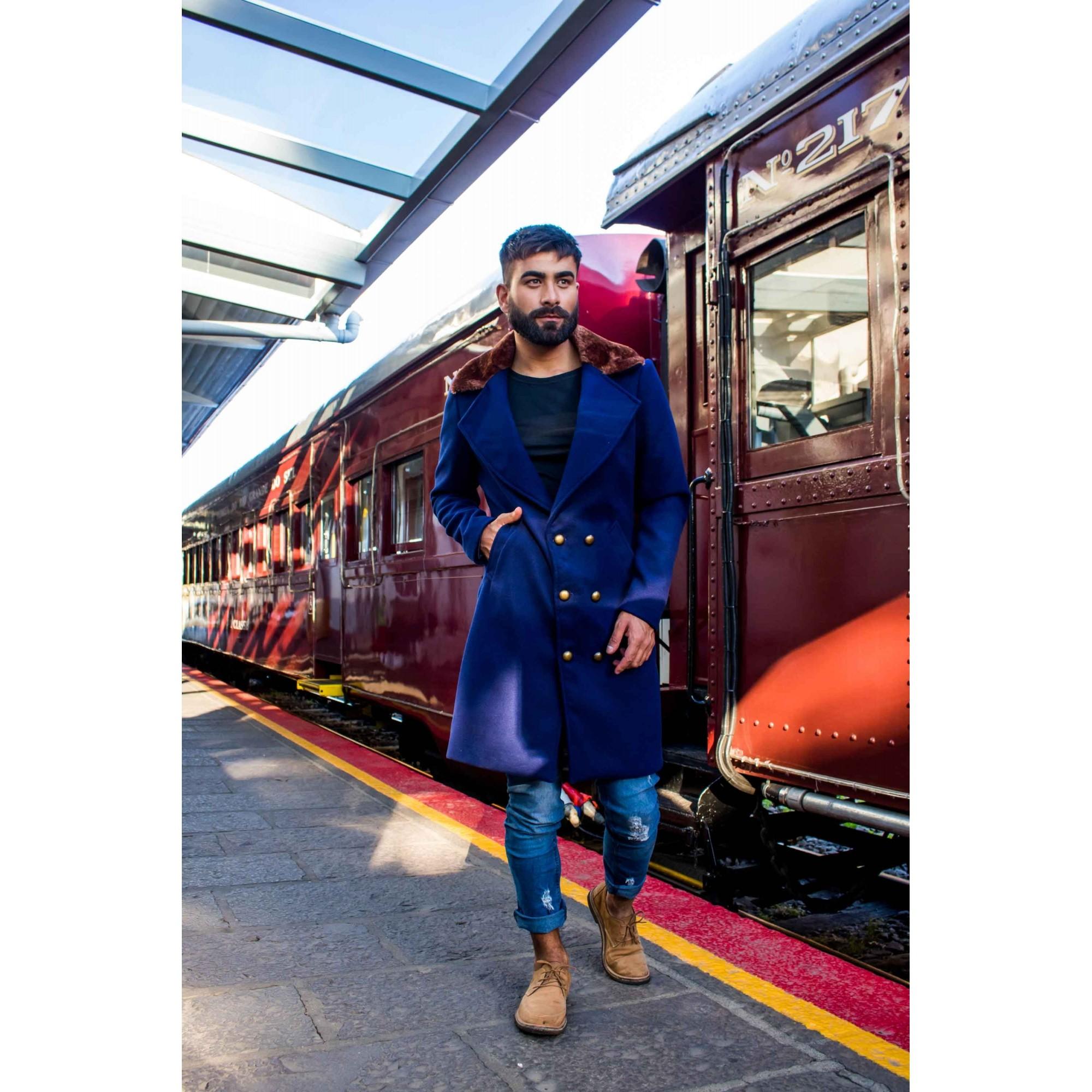 Sobretudo/Overcoat Masculino de Lã Azul Marinho Gola em Pele