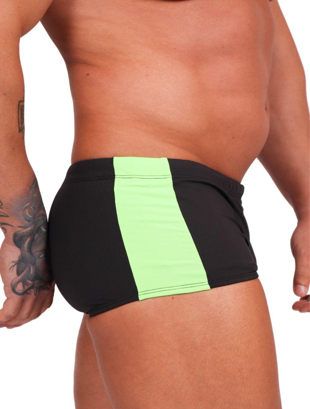 Sunga Masculina Preta com Faixa Lateral Verde Neon