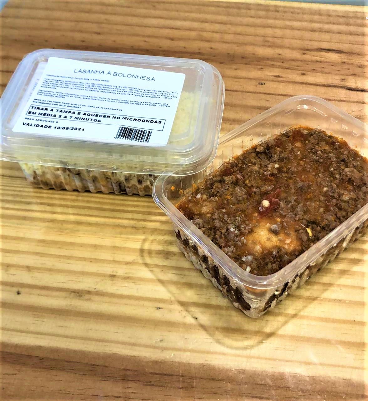 Porçao individual de lasanha à bolonhesa