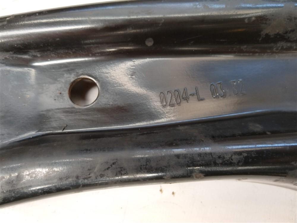 Balança bandeja suspensão Renault Kwid 1.0 12v 3 cilindros esquerdo original