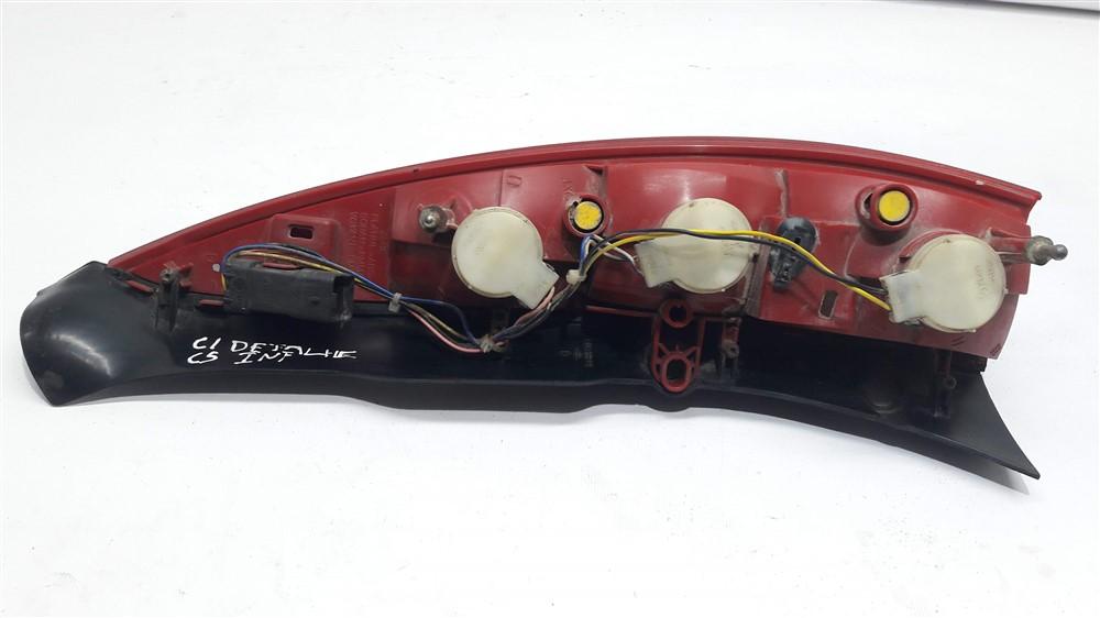 Lanterna traseira direita inferior Citroen C5 SW com detalhe original