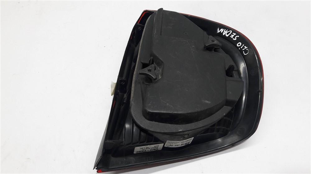 Lanterna traseira esquerda Clio Sedan 2000 2001 2002 2003 2004 2005 original