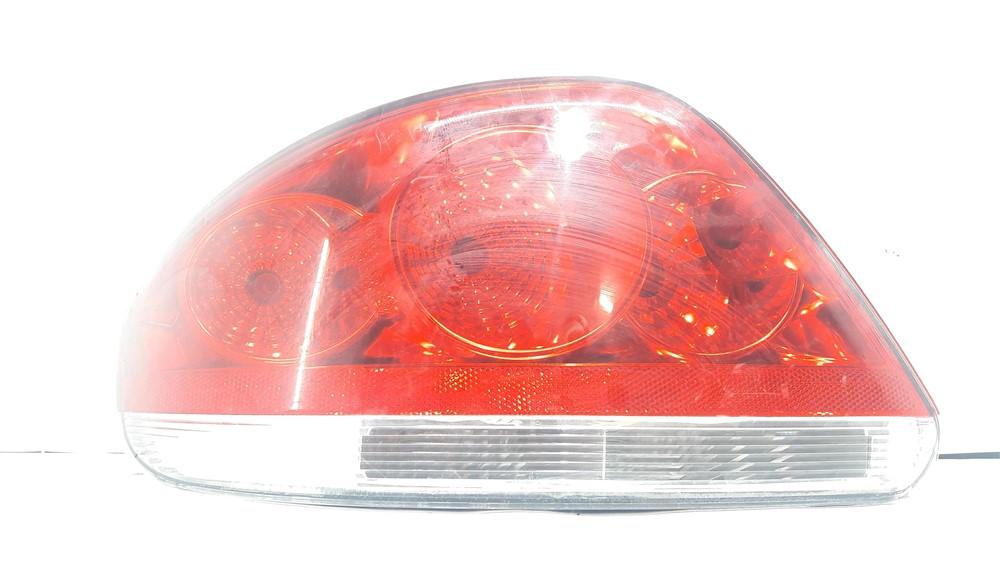 Lanterna traseira esquerda Fiat Linea 2008-2012