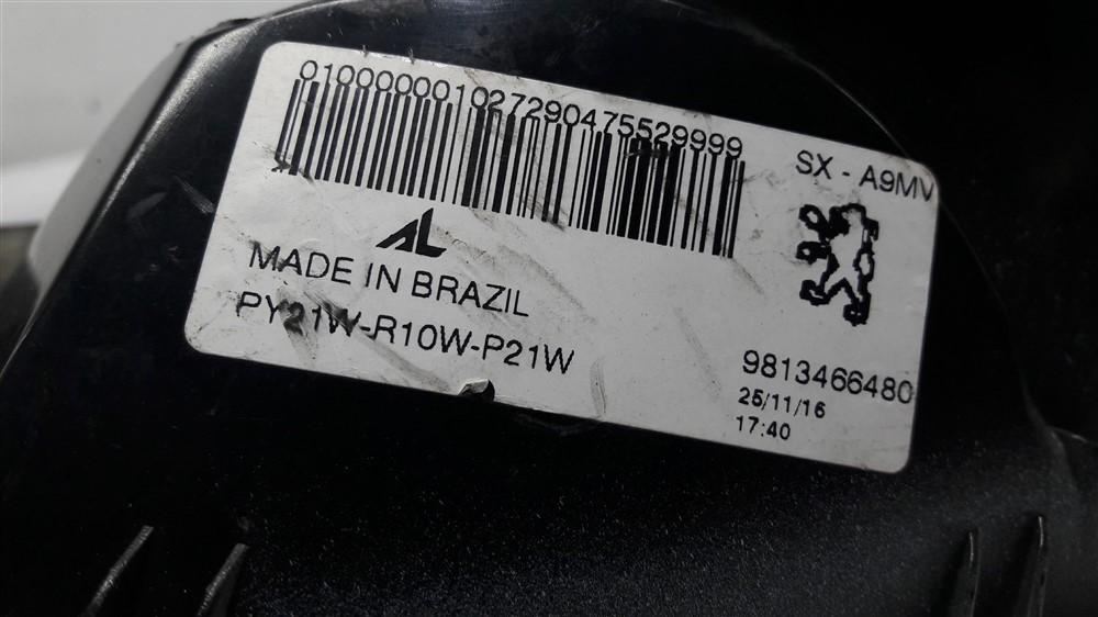 Lanterna traseira esquerda Peugeot 208 fumê original