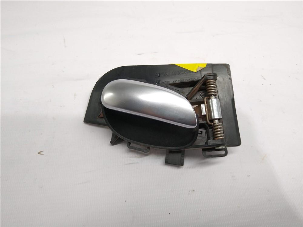 Maçaneta puxador interno porta esquerda prata Peugeot 206 207