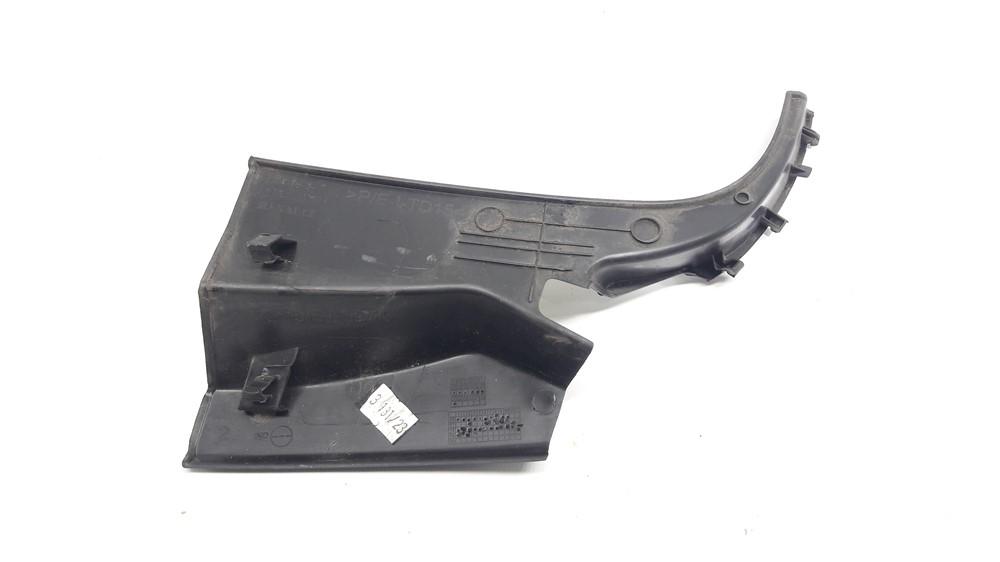 Moldura acabamento churrasqueira grade parabrisa Renault Kwid direita original