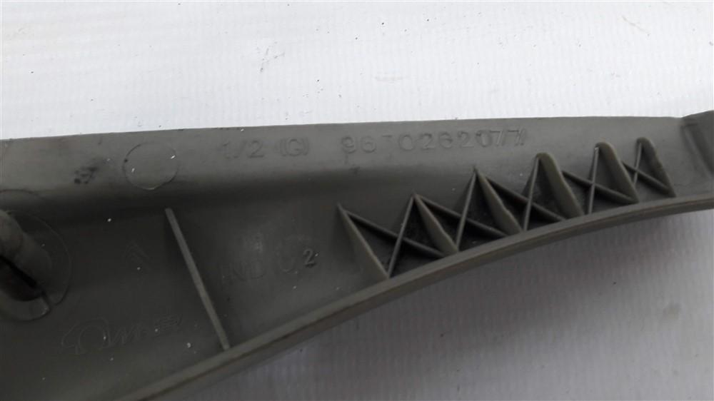 Moldura acabamento interno retrovisor Xsara Picasso 2001-2008 esquerdo original