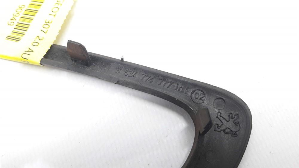 Moldura acabamento maçaneta puxador interno Peugeot 307 madeirado traseiro esquerdo original