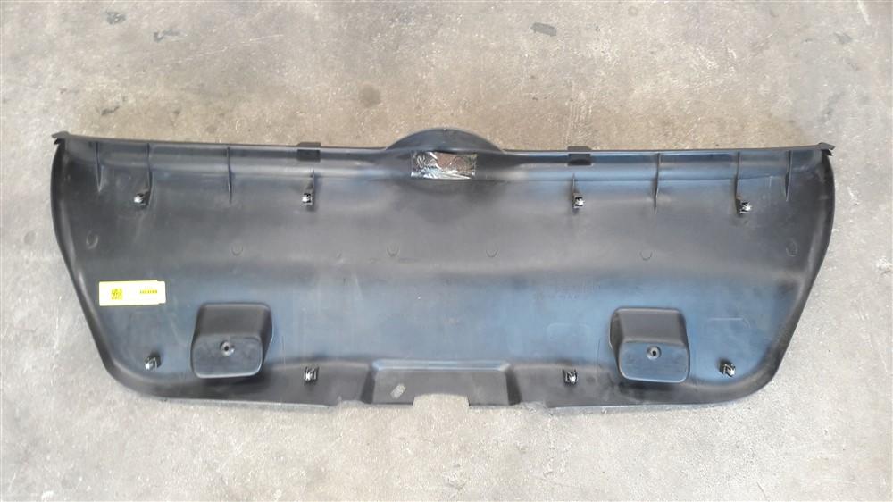 Moldura acabamento tampa traseira porta malas Peugeot 307 Hatch original