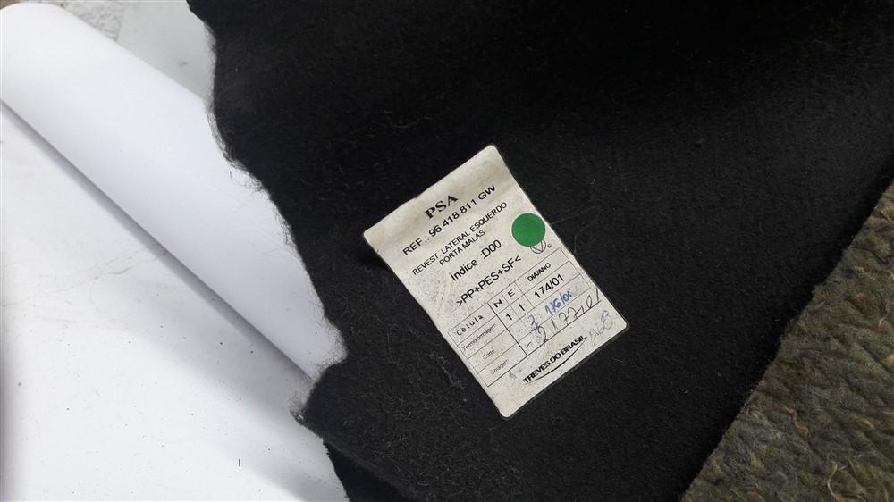 Par acabamento lateral porta malas Xsara Picasso 2001-2008 original