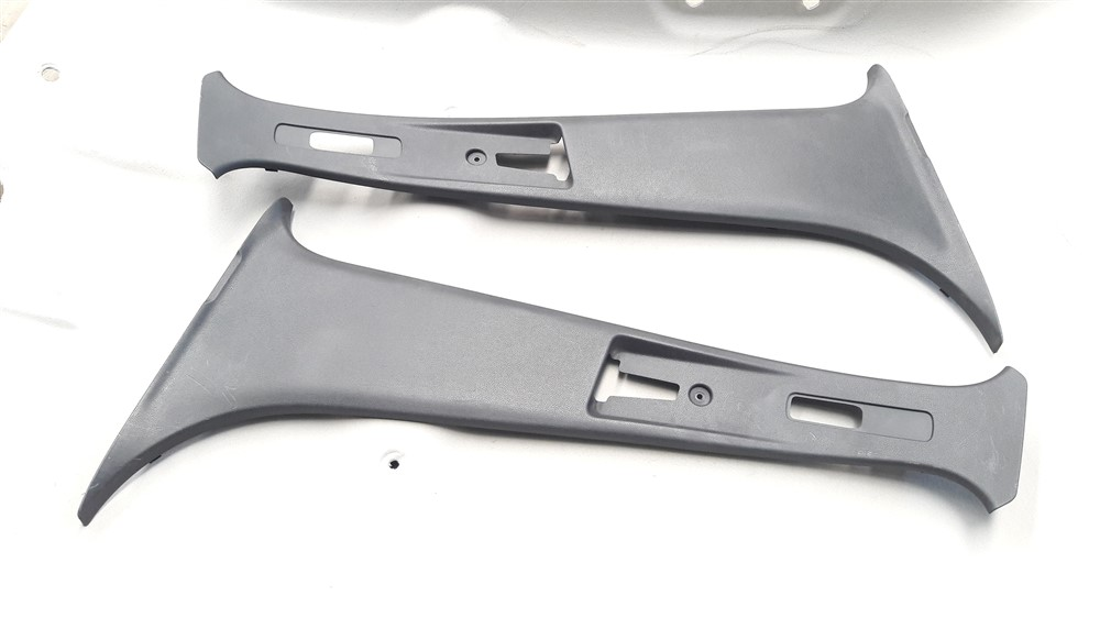 Par moldura acabamento coluna central parabrisa Renault Kwid original
