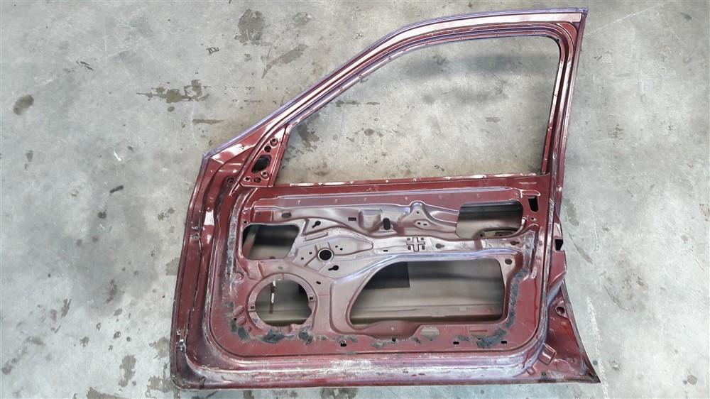 Porta dianteira direita Clio 4 portas 2000 2001 2002 2003 2004 2005 2006 2007 2008 2009 2010 2011 2012 original