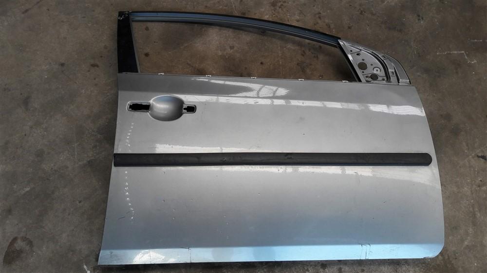 Porta dianteira direita Nissan Sentra 2007 2008 2009 2010 2011 2012 2013 original