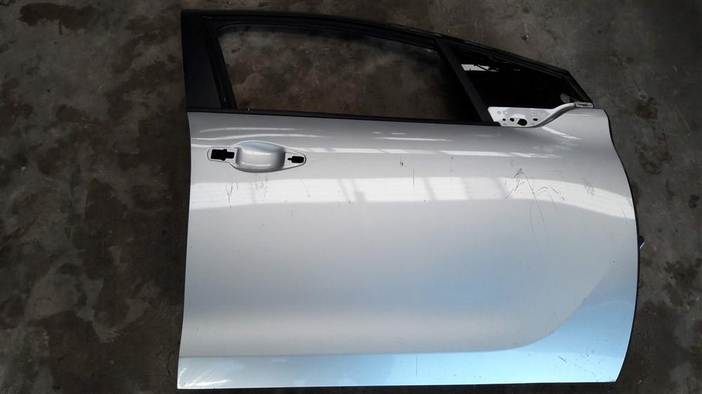 Porta dianteira direita Peugeot 208 original