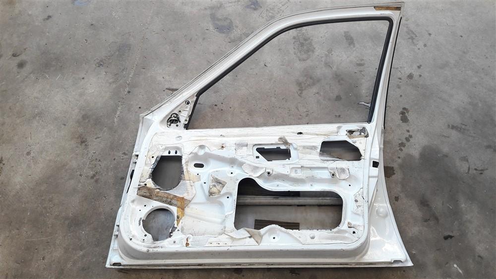 Porta dianteira direita Peugeot 405 original