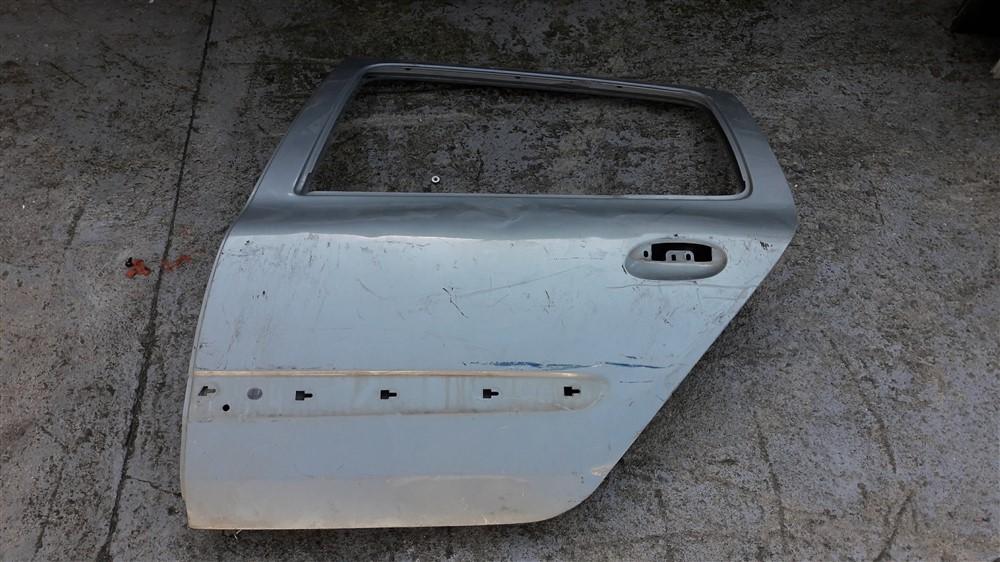 Porta traseira esquerda Clio 1999 2000 2001 2002 2003 2004 2005 2006 2007 2008 2009 2010 2011 original