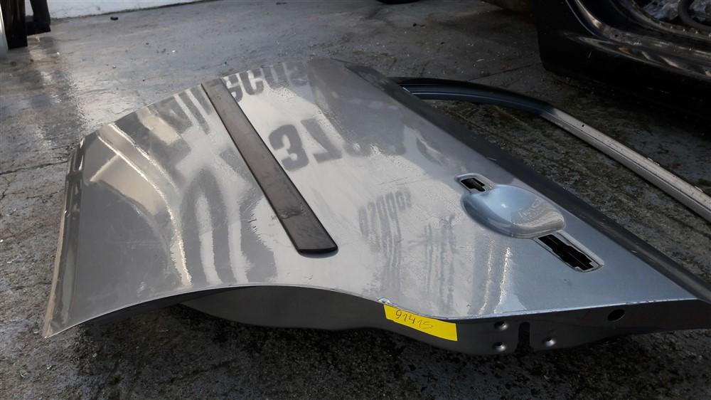 Porta traseira esquerda Nissan Sentra 2007 2008 2009 2010 2011 2012 2013 original