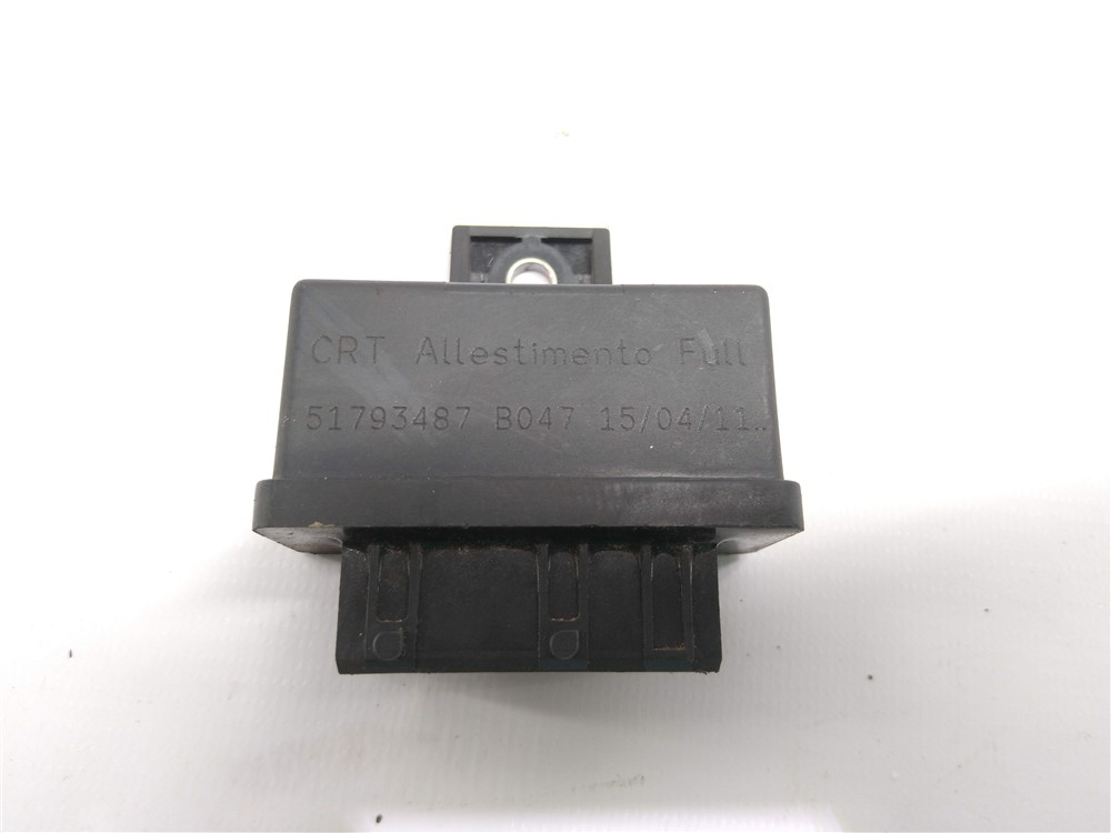 Rele módulo bomba combustível Linea Punto 1.8 e-torq