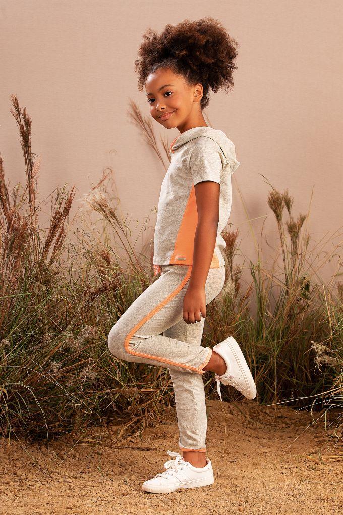 Conjunto Infantil menina blusa com capuz e  acompanha short e calça legging  - Tam 4 a 14 anos