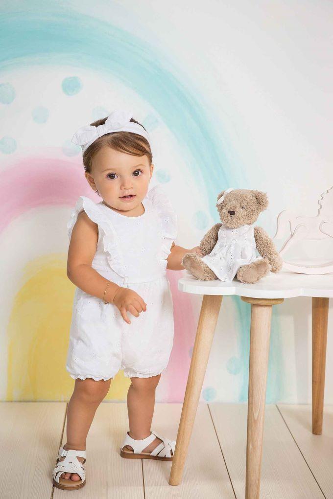 Macacão infantil branco em laise -Tam M a XG