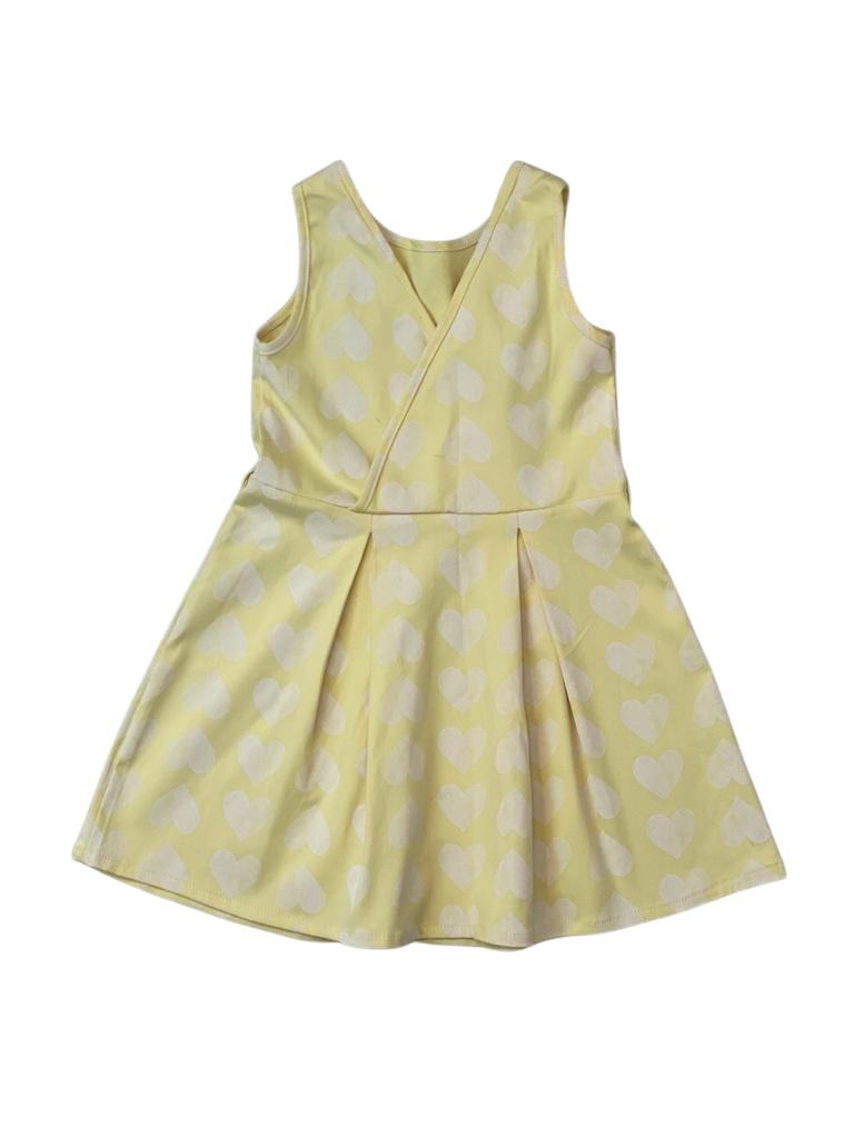 Vestido Amarelo com Corações Brancos - Tam 04 a 10 Anos