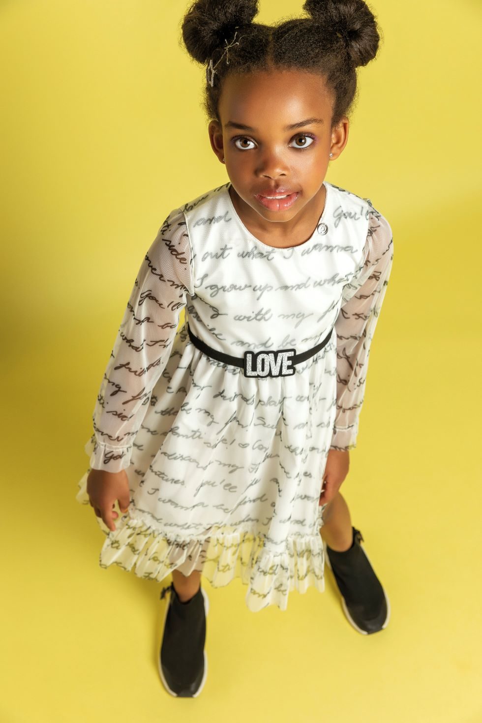 Vestido em tule estampado manga longa- Tam 6 a 10 anos