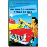 BALÃO CAINDO PERTO DE NÓS, UM