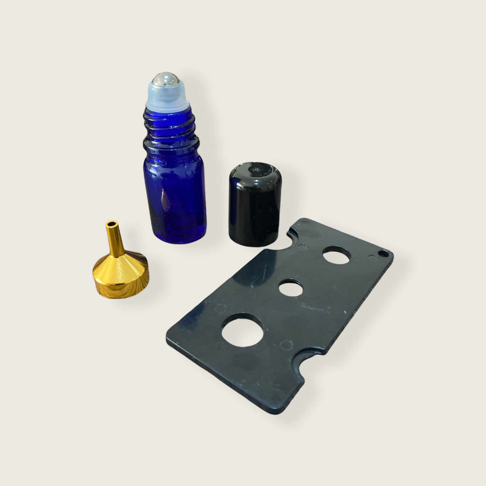 05 Frascos Vidro Âmbar Rollon 5ml Premium Azul 1 Funil Metal e 1 Abridor
