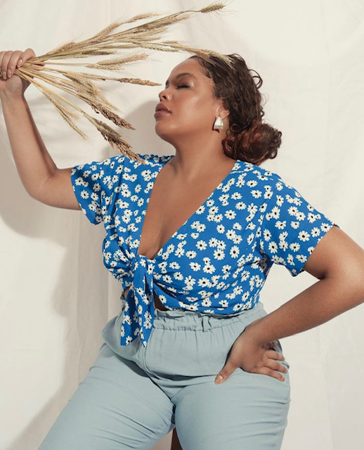 CROPPED FLORAL PLUS SIZE