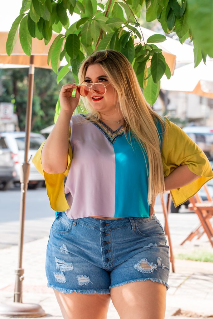 SHORT JEANS BOTOES FORRADOS PLUS SIZE