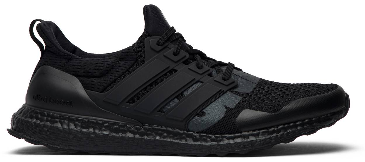 Tênis Adidas Invicto x UltraBoost 1.0 Blackout