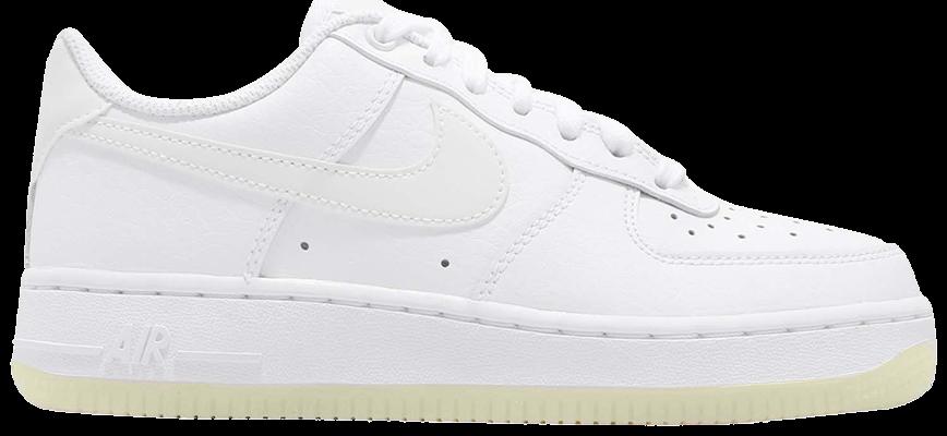 Tênis Nike Air Force 1 '07 Essential Triple White