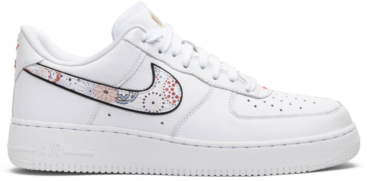 Tênis Nike Air Force 1 LNY